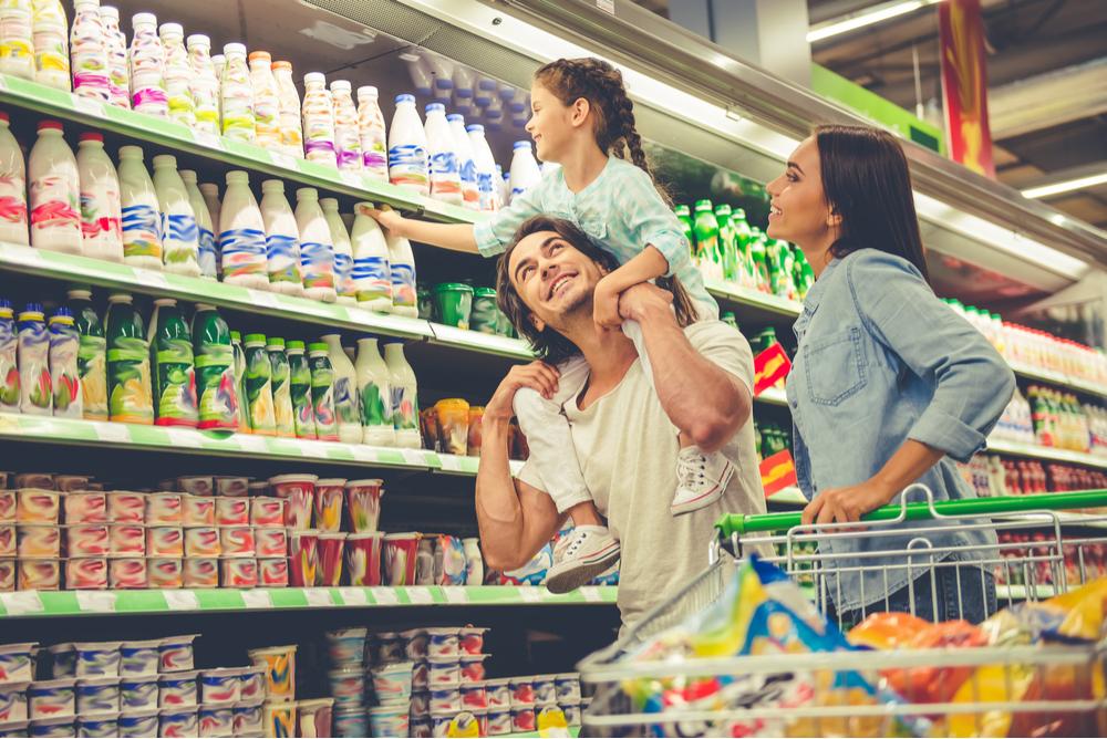 スーパーへ買い物